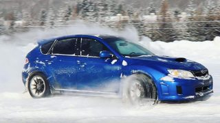 AR12Gaming powersliding his Subaru in the Canadian winter