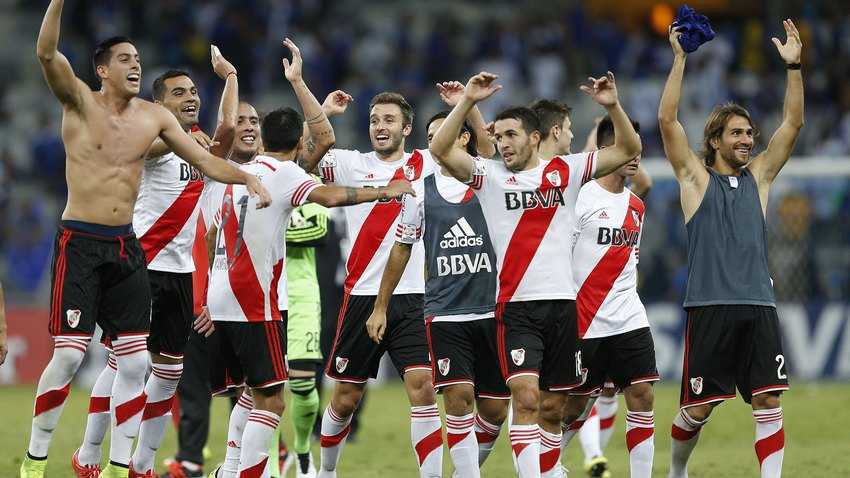 https://media.easports.com/content/www-easports/en_US/fifa/news/2015/fifa-16-ratings-river-plate/_jcr_content/headerImages/image.img.jpg